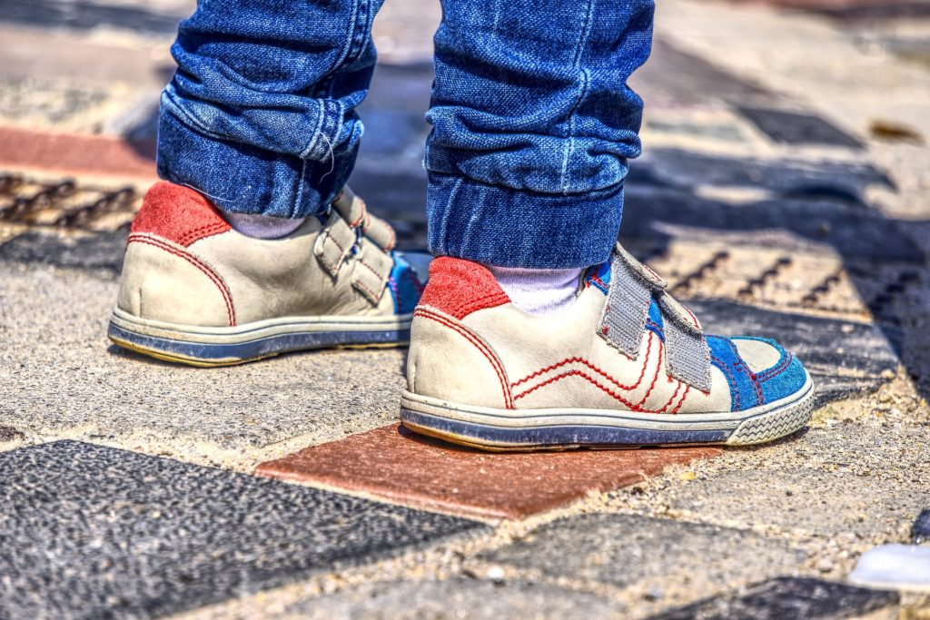 When and How to Buy Children's Shoes for Your Kids